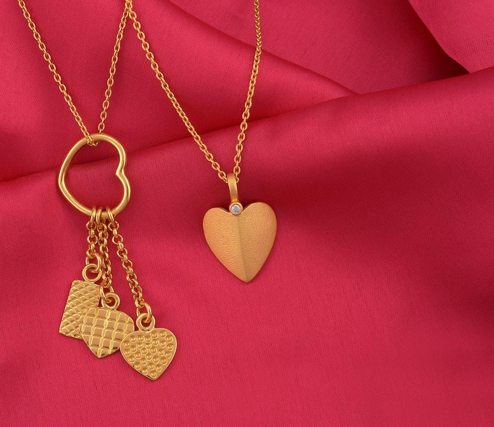 Wat kun je het beste geven als je van iemand houd, een ring, ketting of een armband